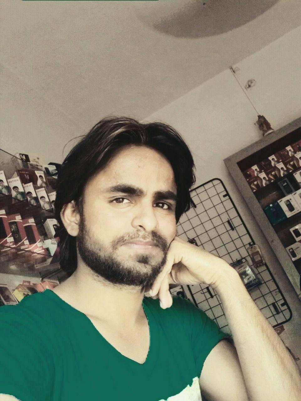 Rahul Singh DJ Wale Babu - logo